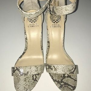 NWT Vince Camuto Vp-Bendiva Block Heel Sandals